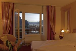 Double Room with Balcony Hotel Brienz