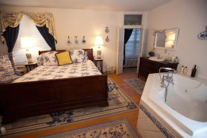 Inn on Poplar Hill - Accommodation - Orange