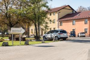 HOTEL I RESTAURACJA BROCHÓW