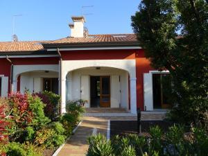 Adriatica Immobiliare - Lauretta - AbcAlberghi.com