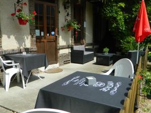 Hotel Restaurant Le Cygne, Szállodák  Conches-en-Ouche - big - 11