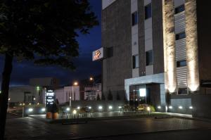 Hotel Synet - Embūte
