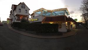 Albergues - Hotel & Restaurant Park Cafe ISA