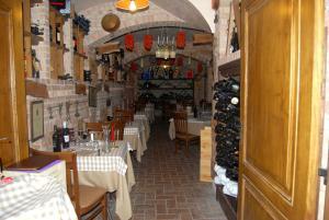 Hotel Ristorante Donato, Hotely  Calvizzano - big - 97