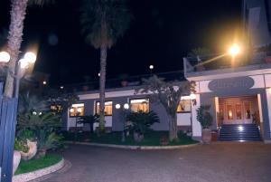 Hotel Ristorante Donato, Hotel  Calvizzano - big - 86
