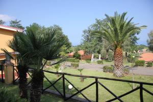 Borgo San Cosmo Tropea, Bed & Breakfasts  Brattirò - big - 132