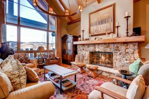Bachelor Gulch Village - Apartment - Avon