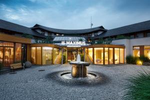 Отель Maximus Resort