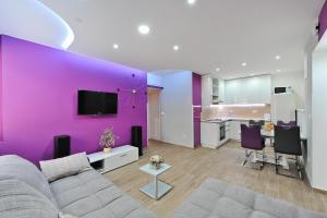Apartment Purple Summer City