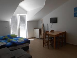 Apartments Jasmina, Apartmány  Novalja - big - 52