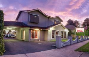 Hostels und Jugendherbergen - Redwood Manor Motel Apartments
