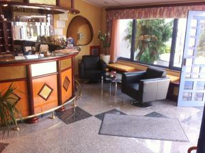 Hotel Bavaria - First Library Hotel, Hotely  Trogir - big - 59
