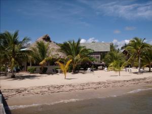 Green Parrot Beach Houses and Resort, Lodge  Maya Beach - big - 85
