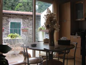 Casa Med Holiday Home, Holiday homes  Isolabona - big - 69