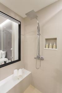 Aonang Cliff Beach Suites & Villas, Отели  Ао-Нанг-Бич - big - 36