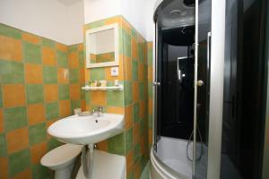 Pension Grant Lux Znojmo, Отели типа «постель и завтрак»  Зноймо - big - 84