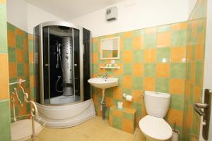 Pension Grant Lux Znojmo, Отели типа «постель и завтрак»  Зноймо - big - 100