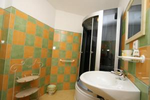 Pension Grant Lux Znojmo, Отели типа «постель и завтрак»  Зноймо - big - 98
