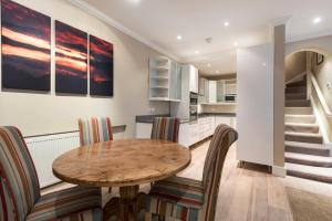 onefinestay - South Kensington private homes III, Апартаменты  Лондон - big - 32