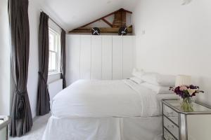 onefinestay - South Kensington private homes III, Апартаменты  Лондон - big - 27