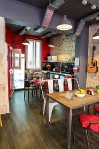 Location gîte, chambres d'hotes Smart Place Gare du Nord by Hiphophostels dans le département Paris 75