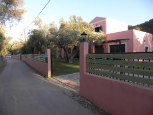 Ionian Breeze Studios, Apartments  Lefkada Town - big - 41