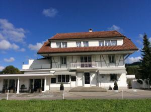 Landcafe mit Mini Hotel - Accommodation - Burgdorf