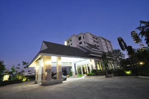 Pearl Resort & Hotel - Ban Wat Pho Thong