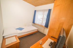 Hotel Parnass, Отели  Церматт - big - 61