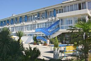Курортный отель Эдем