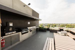 Talia - Beyond a Room Private Apartments, Apartmanok  Melbourne - big - 13