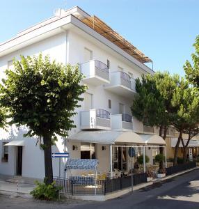 Hotel Lora - AbcAlberghi.com