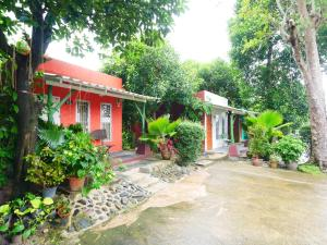 Forest Bungalows and Mama's Restaurant - Ban Na Kok