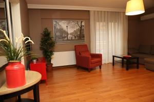 Akin Suites, Апарт-отели  Стамбул - big - 75