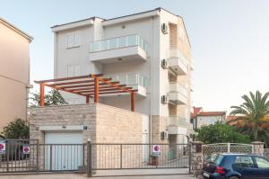 Apartments LILA AUREA