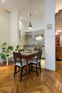 Urban Studio Apartment