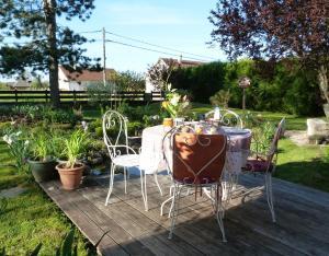 Aux Jardins d'Alice, B&B (nocľahy s raňajkami)  Asnans - big - 31