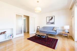 Rosie - Beyond a Room Private Apartments, Апартаменты  Мельбурн - big - 7