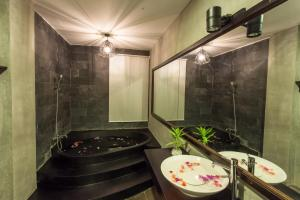 Yeak Loam Hotel, Hotels  Banlung - big - 7