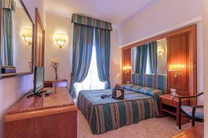 Raeli Hotel Lux - Rome
