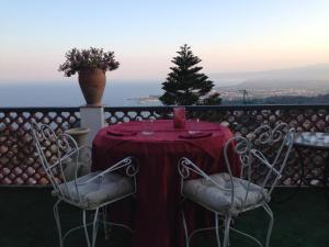 Villa Greta Hotel Rooms & Suites, Hotels  Taormina - big - 41