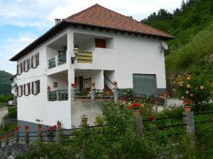Casa Rural Mantxoalorra - Hotel - Ochagavía
