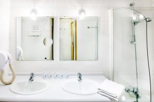 Appart'hôtel Saint Jean, Residence  Lourdes - big - 51