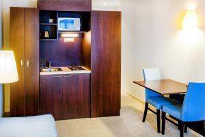 Appart'hôtel Saint Jean, Residence  Lourdes - big - 12