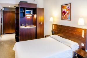 Appart'hôtel Saint Jean, Residence  Lourdes - big - 6