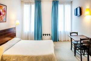 Appart'hôtel Saint Jean, Residence  Lourdes - big - 3