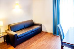 Appart'hôtel Saint Jean, Residence  Lourdes - big - 57