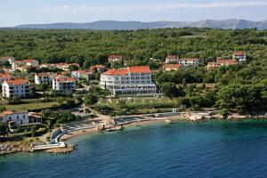Spa & Wellness Hotel Pinia, Hotely  Malinska - big - 1