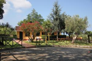 Borgo San Cosmo Tropea, Bed & Breakfasts  Brattirò - big - 112