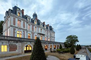 Location gîte, chambres d'hotes Château Saint-Michel, The Originals Relais (Relais du Silence) dans le département Saône et Loire 71